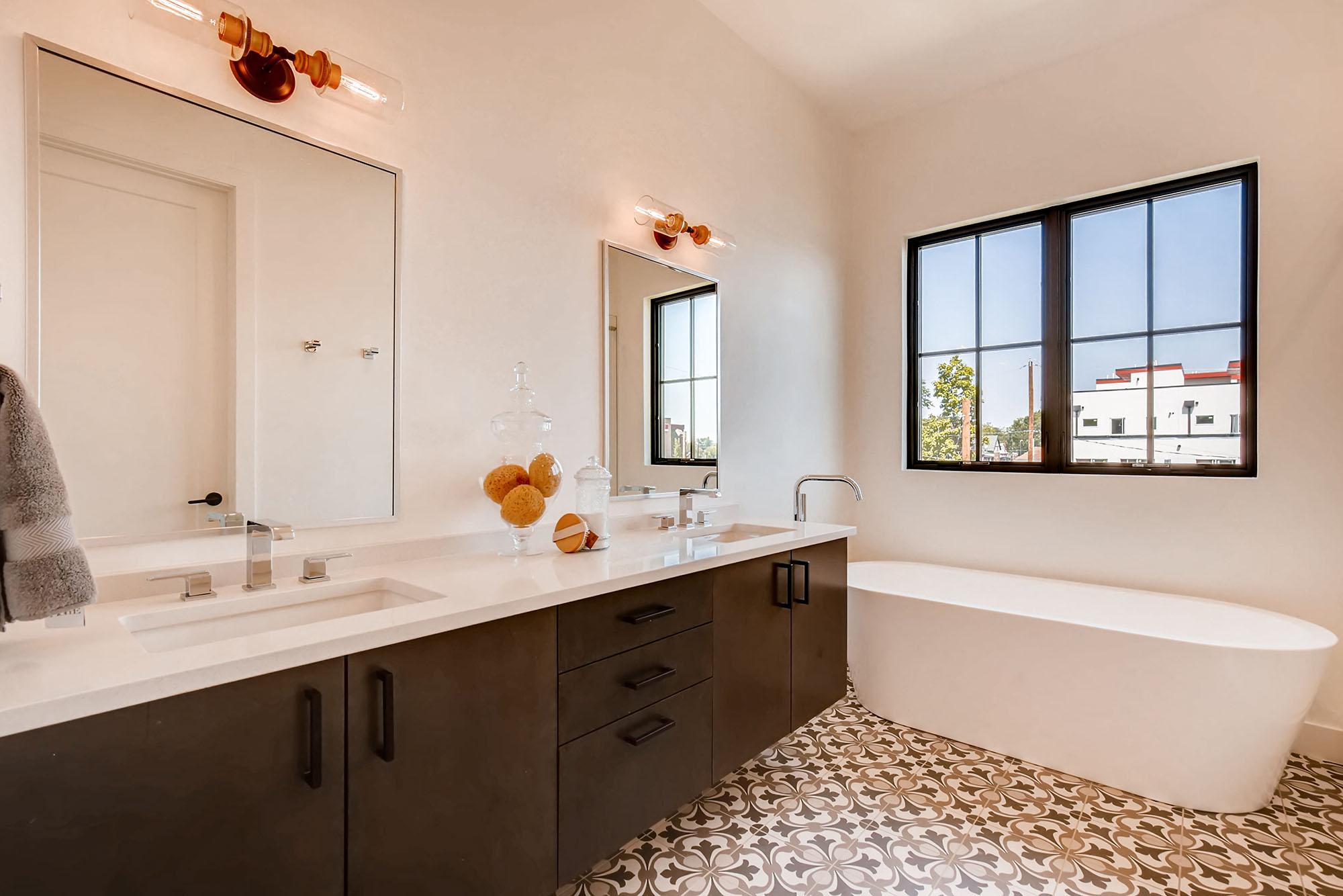 Master-Bathroom-300dpi.jpg