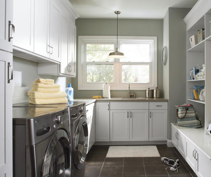 laundry_room_cabinets_in_painted_white_maple